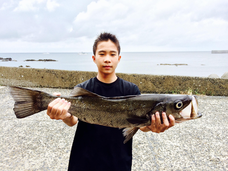 三島村 竹島の凄い中学生とお魚BBQ
