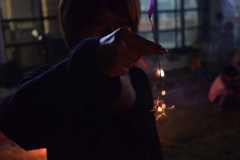 天然の硫黄で手作り線香花火!最高に楽しい離島体験!