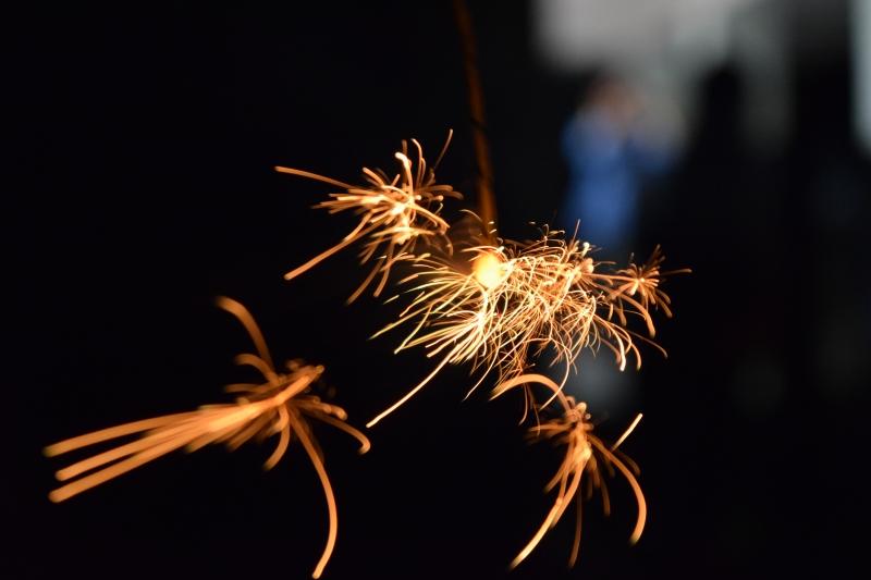 大人も子供も夢中!めっちゃ楽しい硫黄島の花火ツアー!!