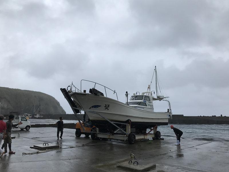 台風18号上陸への備え。離島の台風。