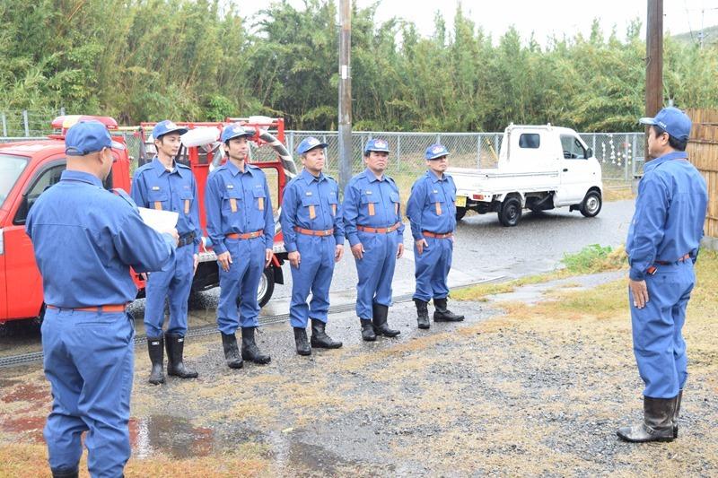 竹島消防団、雨の中の出初式。離島の消防団。